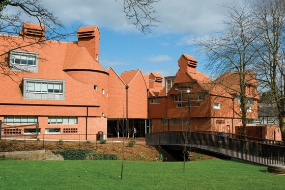 Marley Eternit's Ashdowne clay tiles were chosen by Cruikshank and Seward Architects for the Berkhamsted Collegiate School.