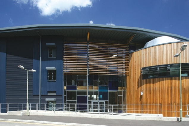 BDP's Henley Business School at the University of Reading uses Ruukki's Design Venice S10 and Design Rome S34 shapes.