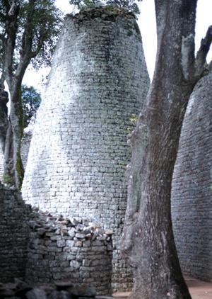 Brian Vermeulen on how the African site of Great Zimbabwe has     Building Design Brian Vermeulen on how the African site of Great Zimbabwe has influenced his work   Features   Building Design