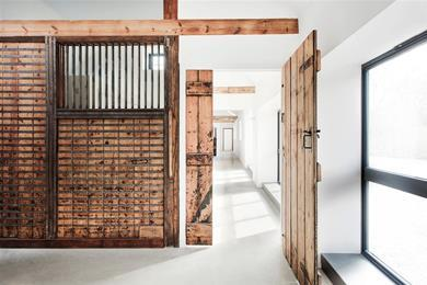 Manor_house_stables_by_ar_design_studio__7_