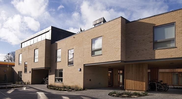 Clare college cambridge student housing by cottrell for Cambridge architecture